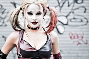 Harley Quinn Cosplay by RonGejon