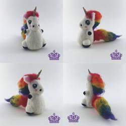 Hug me the Rainbow Unicorn