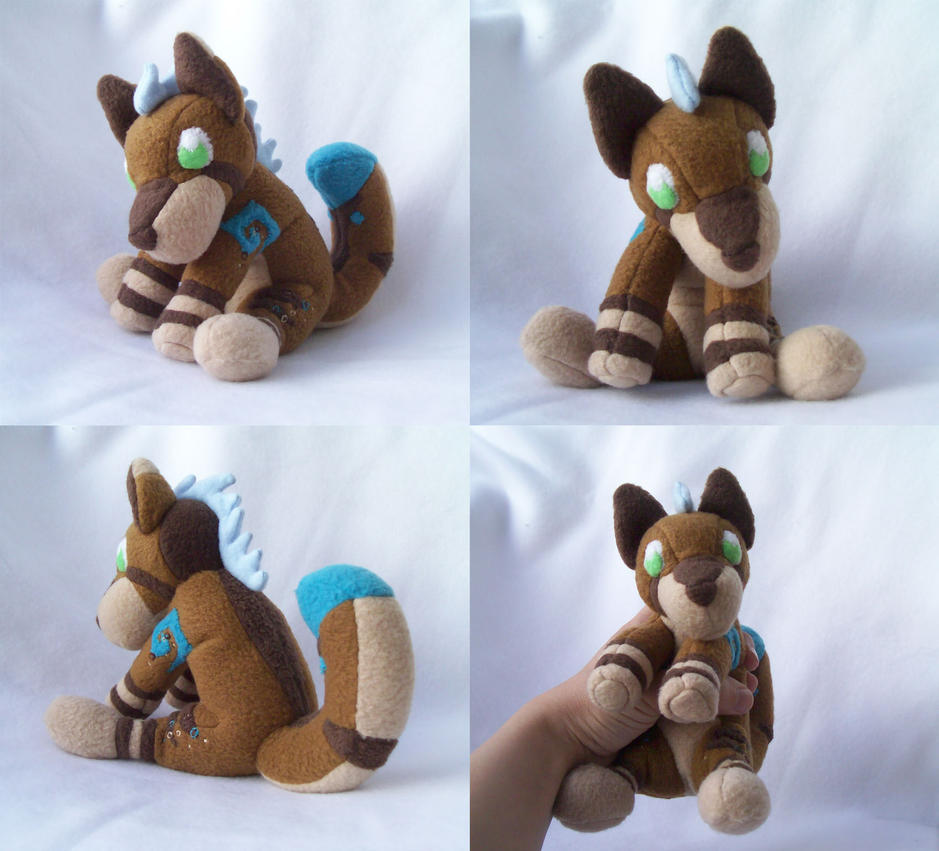 Gwyneth Plush by Miiroku