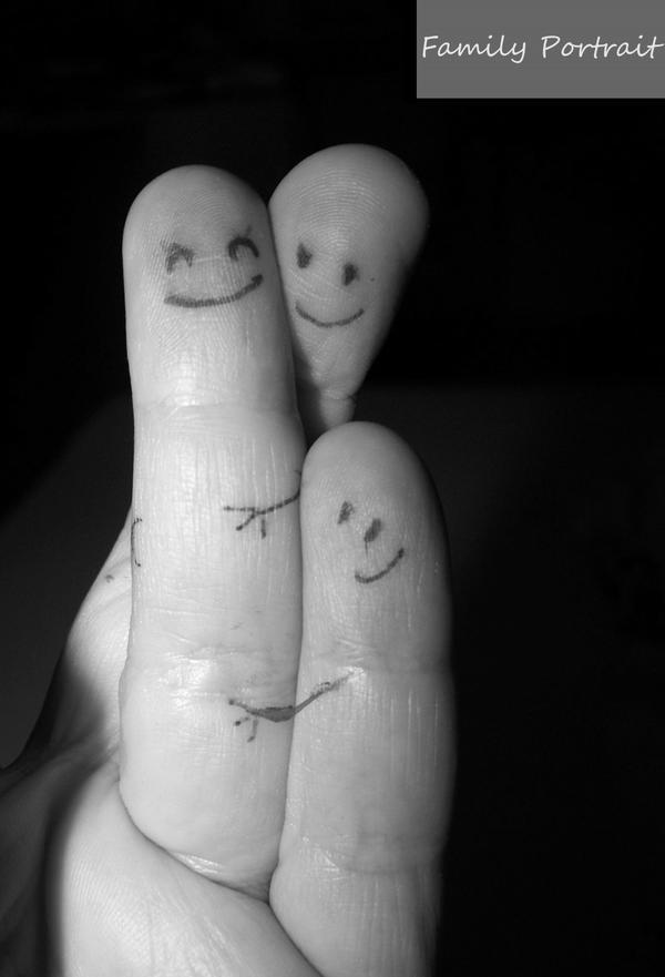 Comme des cinq doigts de la main Family_portrait_by_cathy86-d303a2j