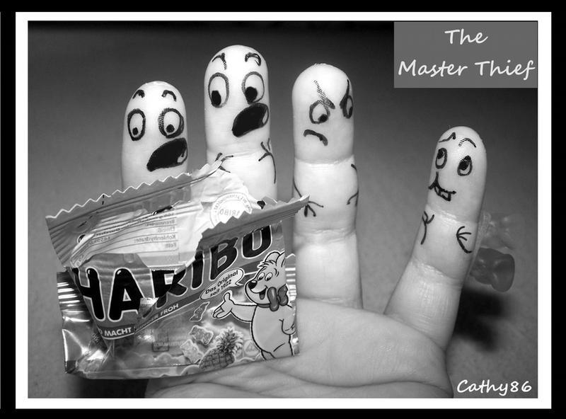 Comme des cinq doigts de la main Finger_art__the_master_thief_by_cathy86-d312emk