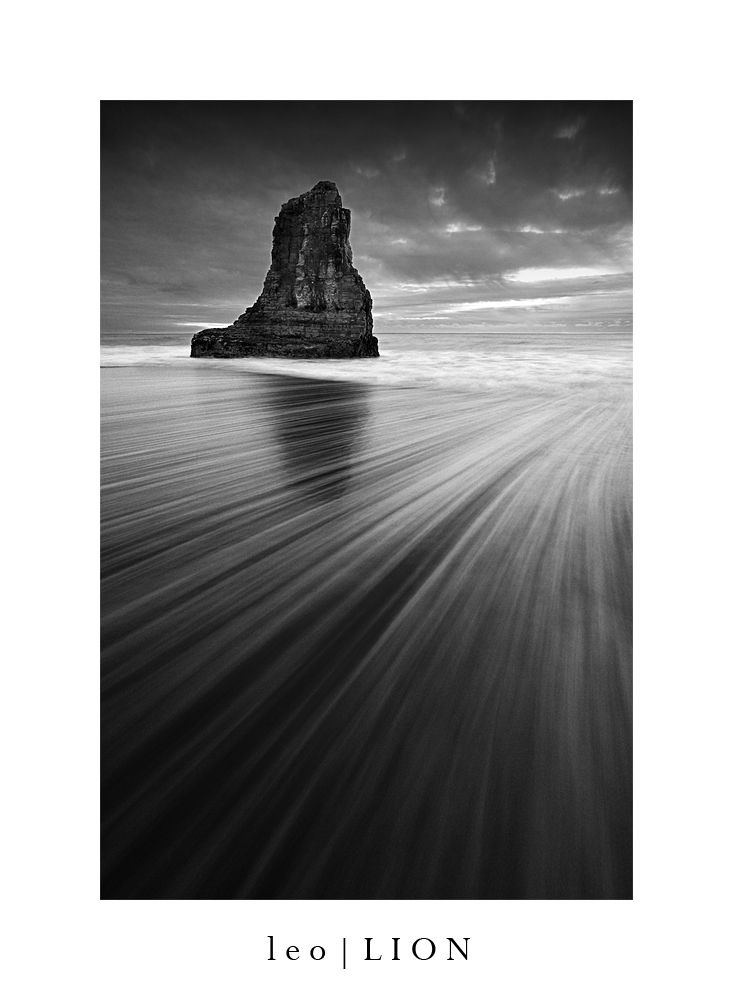 Shark Fin Rock, Davenport by AzureSnow