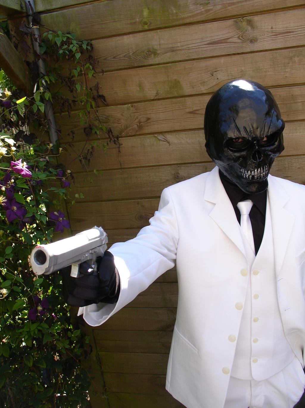 Black Mask (Batman: Arkham Origins) Cosplay 2 by Zaurask