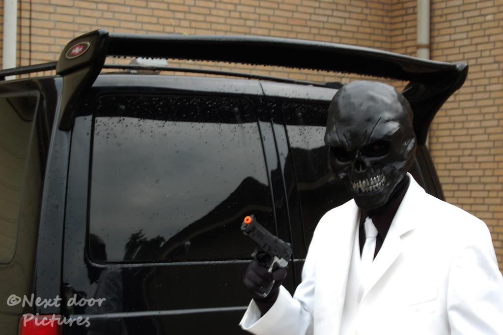 Black Mask (Batman: Arkham Origins) Cosplay 7 by Zaurask ...