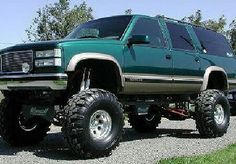 A97152cf5c4fb969214b4cde3223fded--lifted-chevy