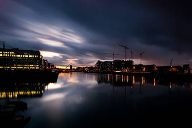 Red sunset on the liffey by Yassser84