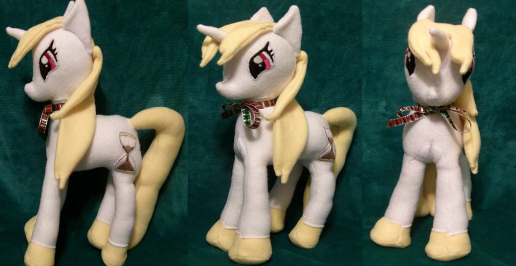 Secret santa: Hourglass by Glitter-Stitch