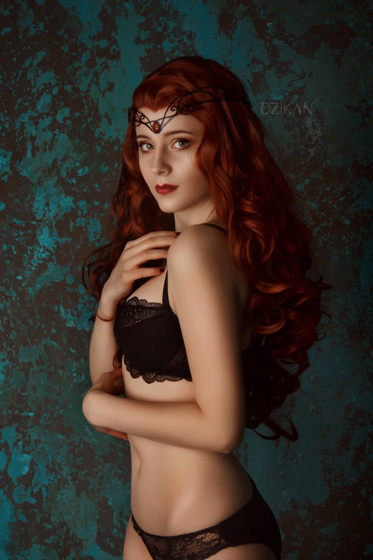Elven Mistress by Dzikan