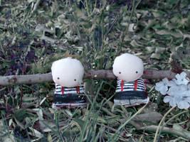 Twins by Tkrmz