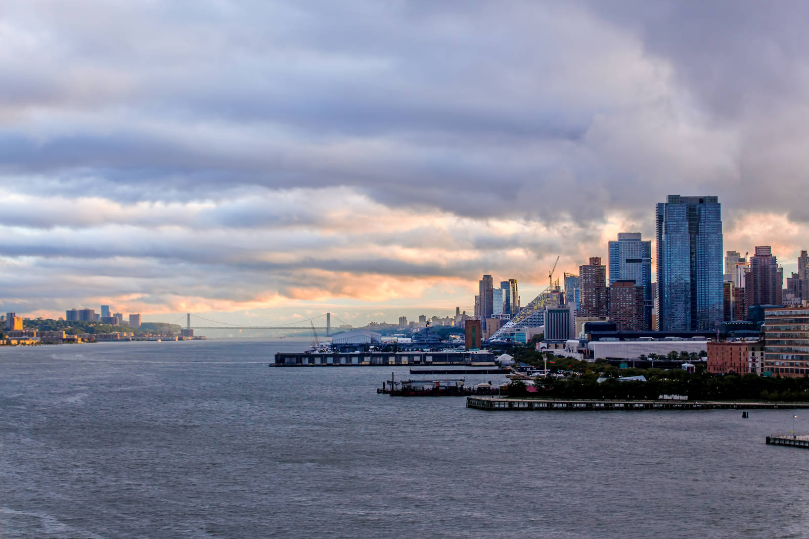 New York City - Hudson by ixtank