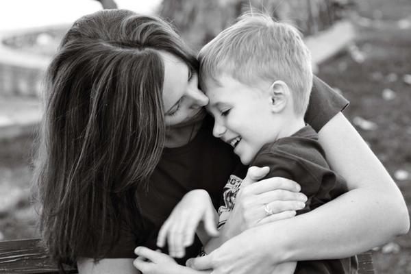 Mother and Son by thankx4stayin كلام عن الام المتوفية فيسبوك   كلام حزين عن الام المتوفية