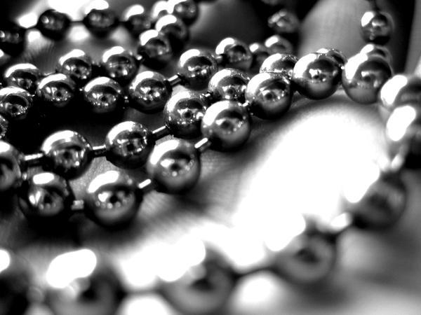 silver beads by aStRaLiLiTu