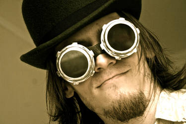 Whir, hiss: Steampunk by doches