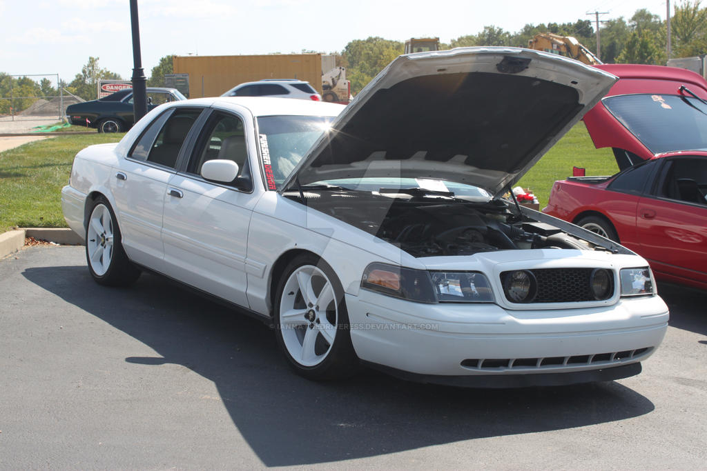 Ford Crown Victoria by iannathedriveress