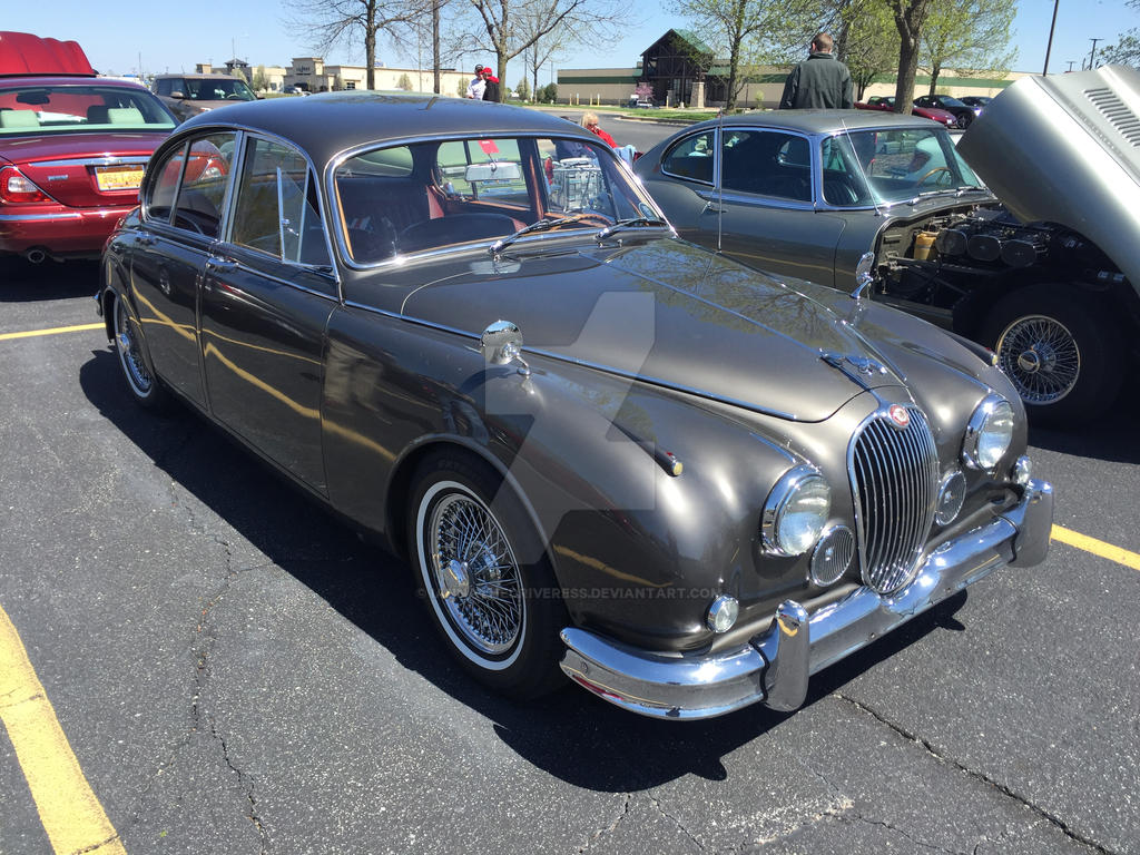 Jaguar MK.2 by iannathedriveress