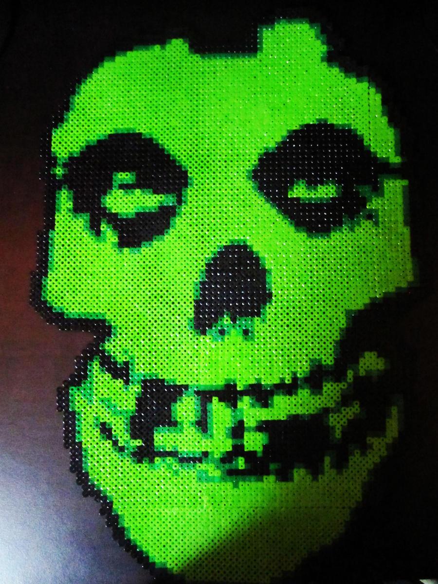 Perler: Misfits skull by AlyciaZU