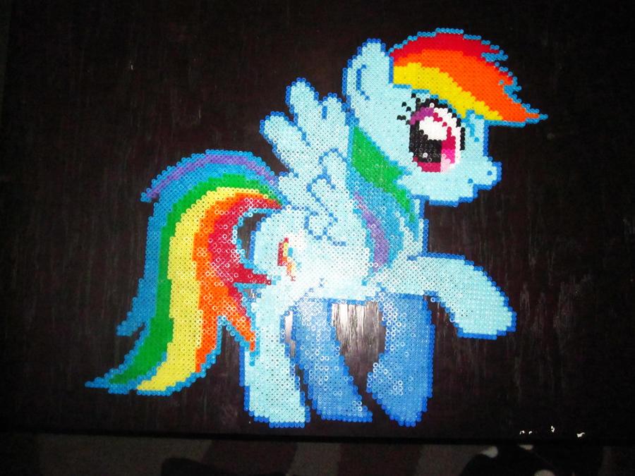 Rainbow Dash Perler MLP FIM by AlyciaZU