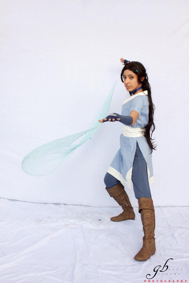 Katara cosplay - Water bending demonstration by SawakoRagDOLL
