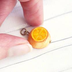 Sansa's Lemon Cake Charm
