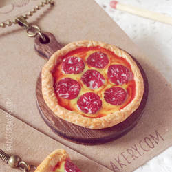 Whole Pepperoni Pizza Necklace