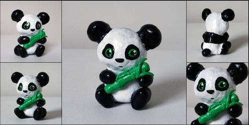 Sitting Panda by yingmakes