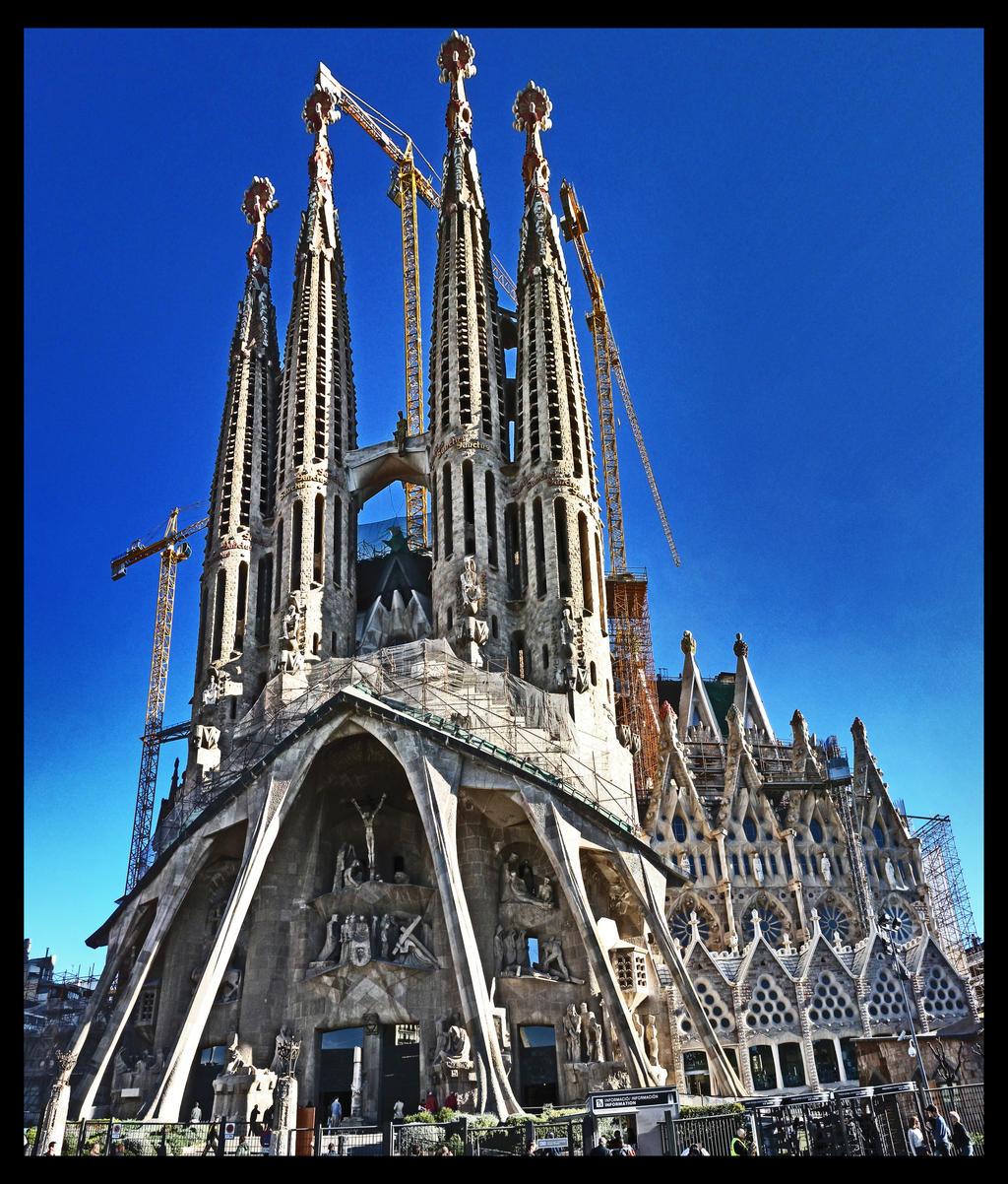 Sagrada Familia Wallpaper Sagrada familia passion by
