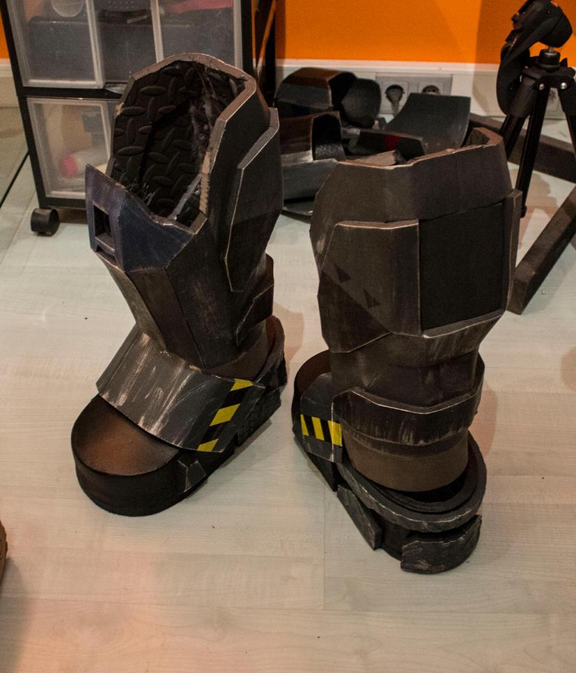 Reach Armor Rebuild - Boots/Shins by ManAtArmsProps