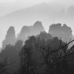 Fog Over ZhangJiaJie by wertysachu