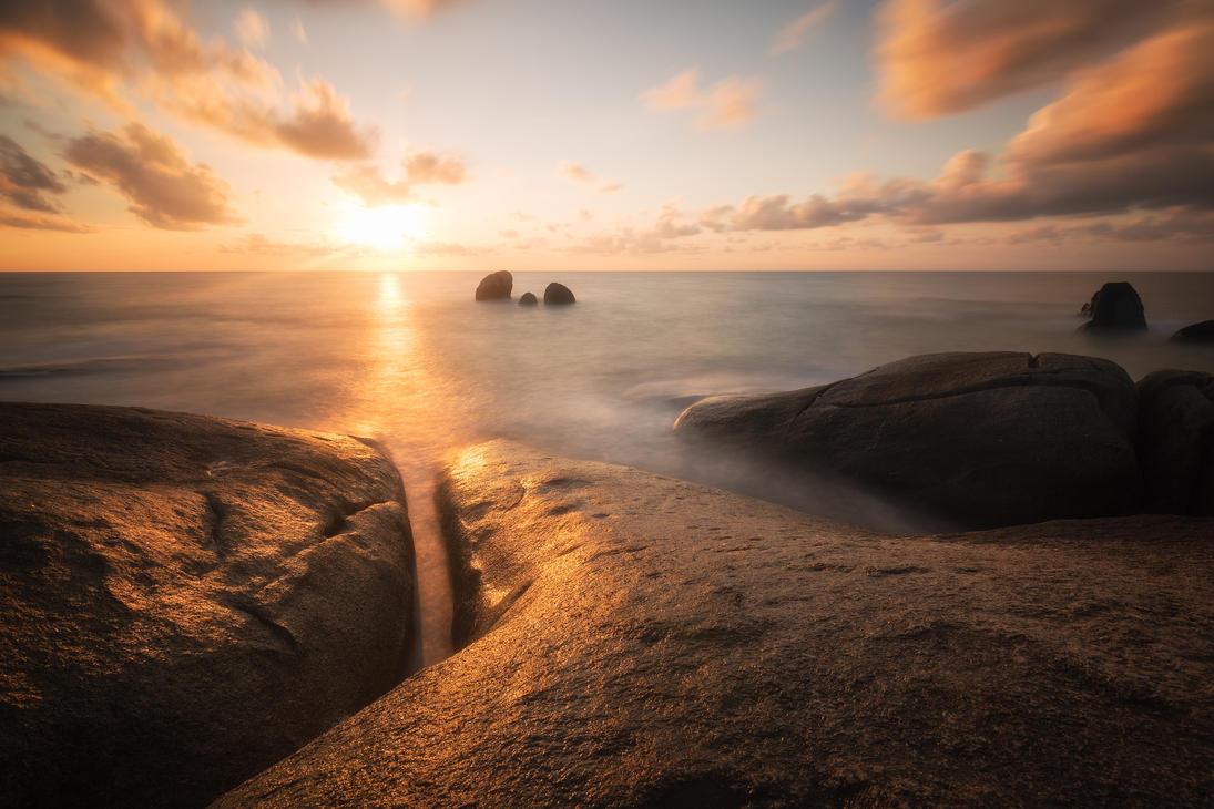 Samui sunrise by TomazKlemensak
