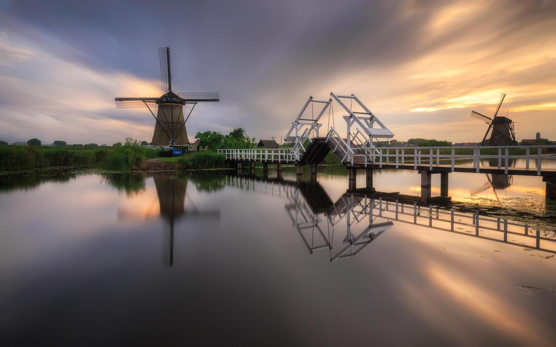 Exploring Kinderdijk by TomazKlemensak