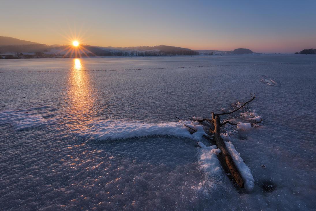 Frozen by TomazKlemensak