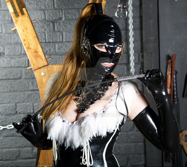 Latex Model with the Diamond Riding Crop by LatexModel