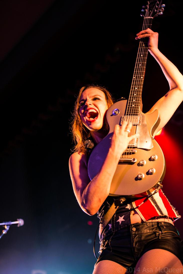 Lzzy Hale Rocks the show by UltraSonicUSA
