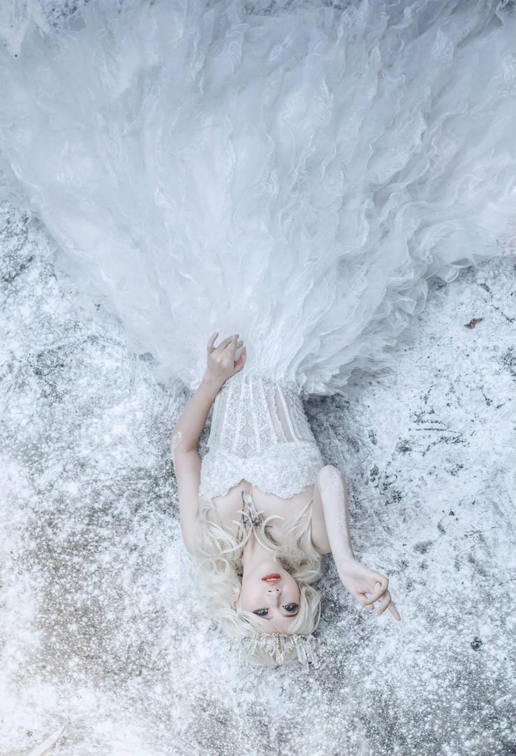 Snow White Queen by RuiYujin