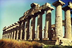 Greek Temple by GlareUsy