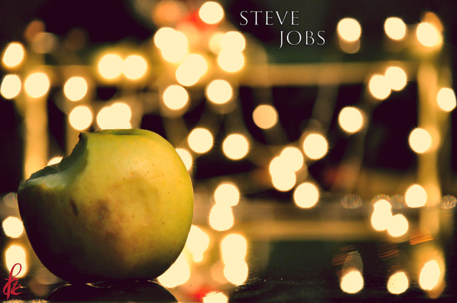 Steve Apple by faizan47