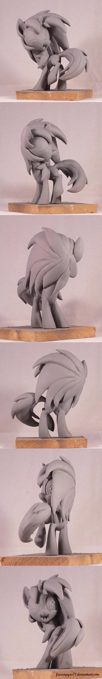 Vinyl scratch - sculpt spin by frozenpyro71