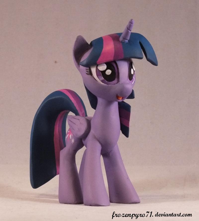 Twilight Sparkle by frozenpyro71