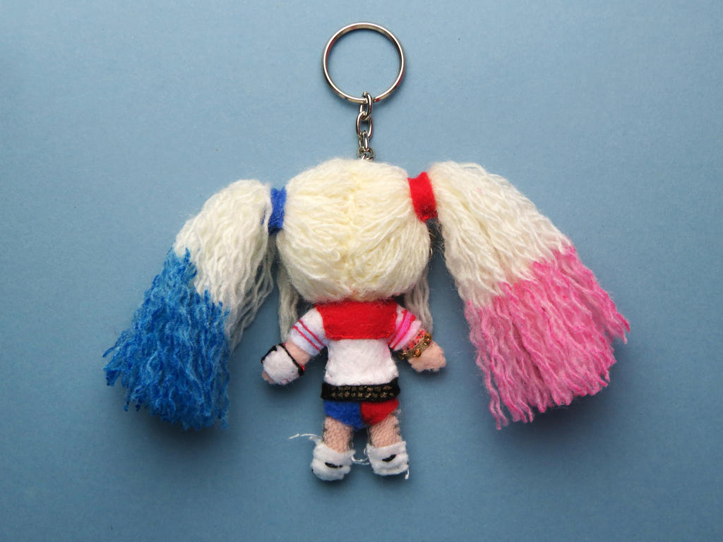 Harley Quinn keychain (back) by tstelles