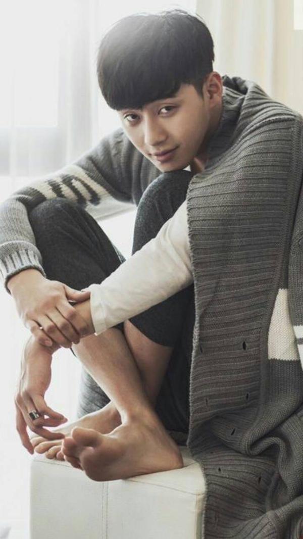 Male Kpop Idol's Feet by BlubbaBloing on DeviantArt