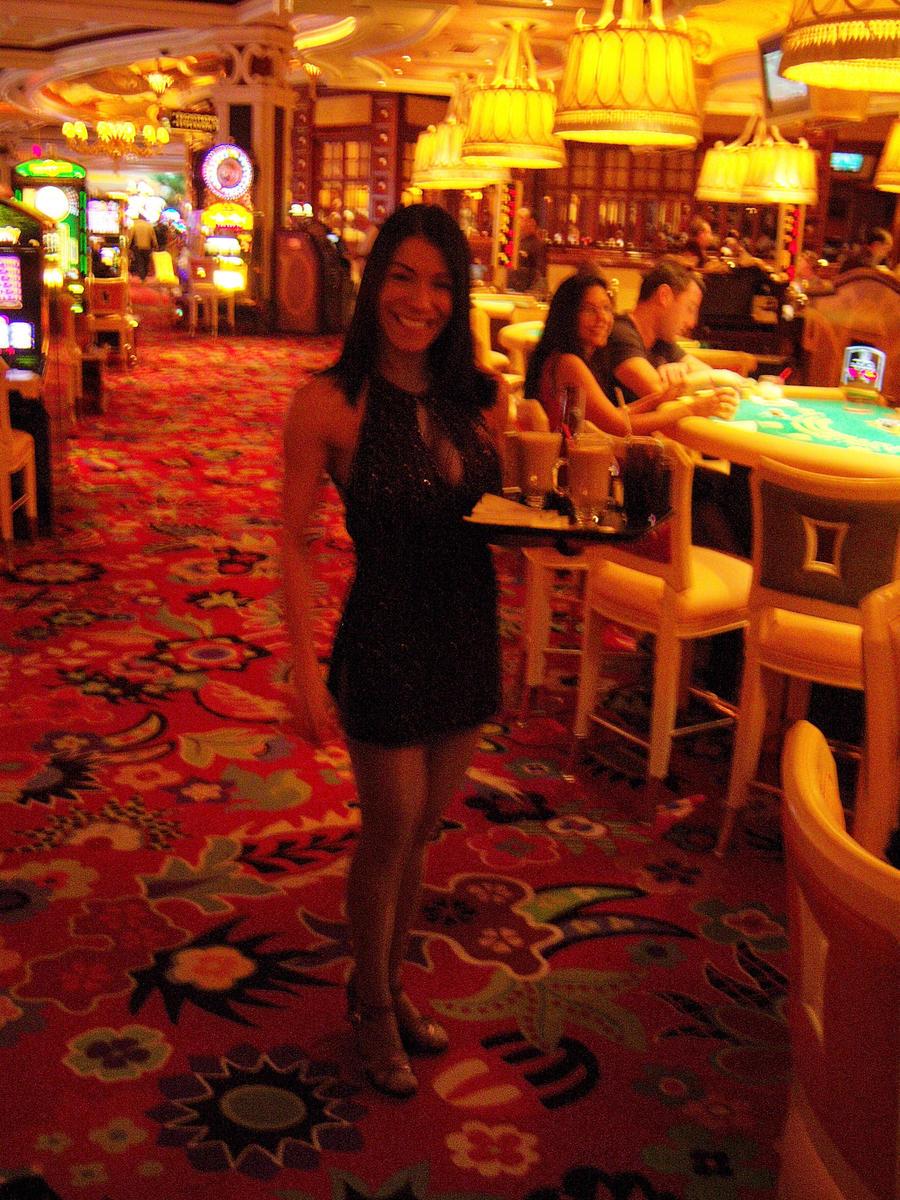 vegas cocktail waitress