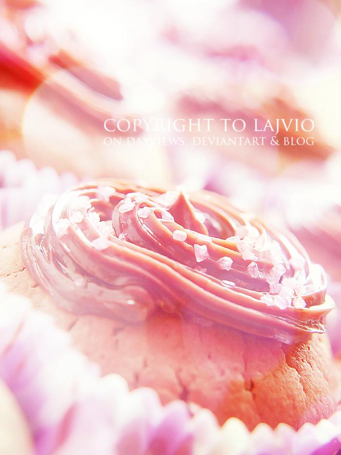 Nutella Cupcake by lajvio