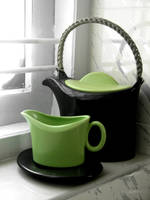 Whacky straightline teapot by aashiks