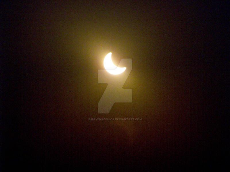 Crescent Sun by RavenRechior