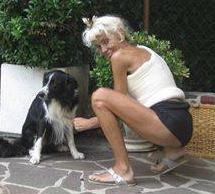 Italian singer shoulder spica (Donatella Rettore)