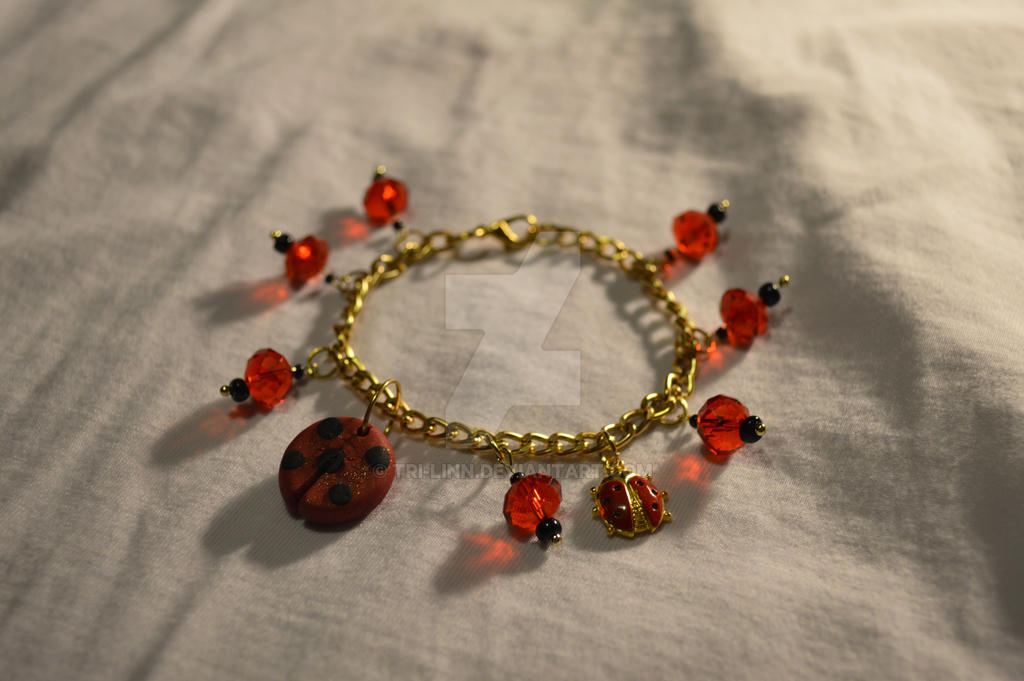 How To Make A Charm Bracelet With Jump Rings