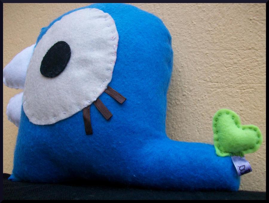 blue worm - back by Caperucita