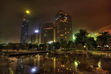 Guangzhou IFC night watch by kornjacinvrac
