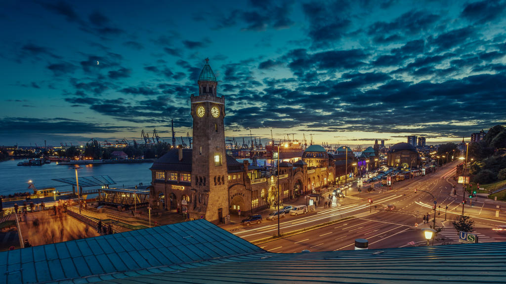 Hamburg harbor right after sunset by abuethe