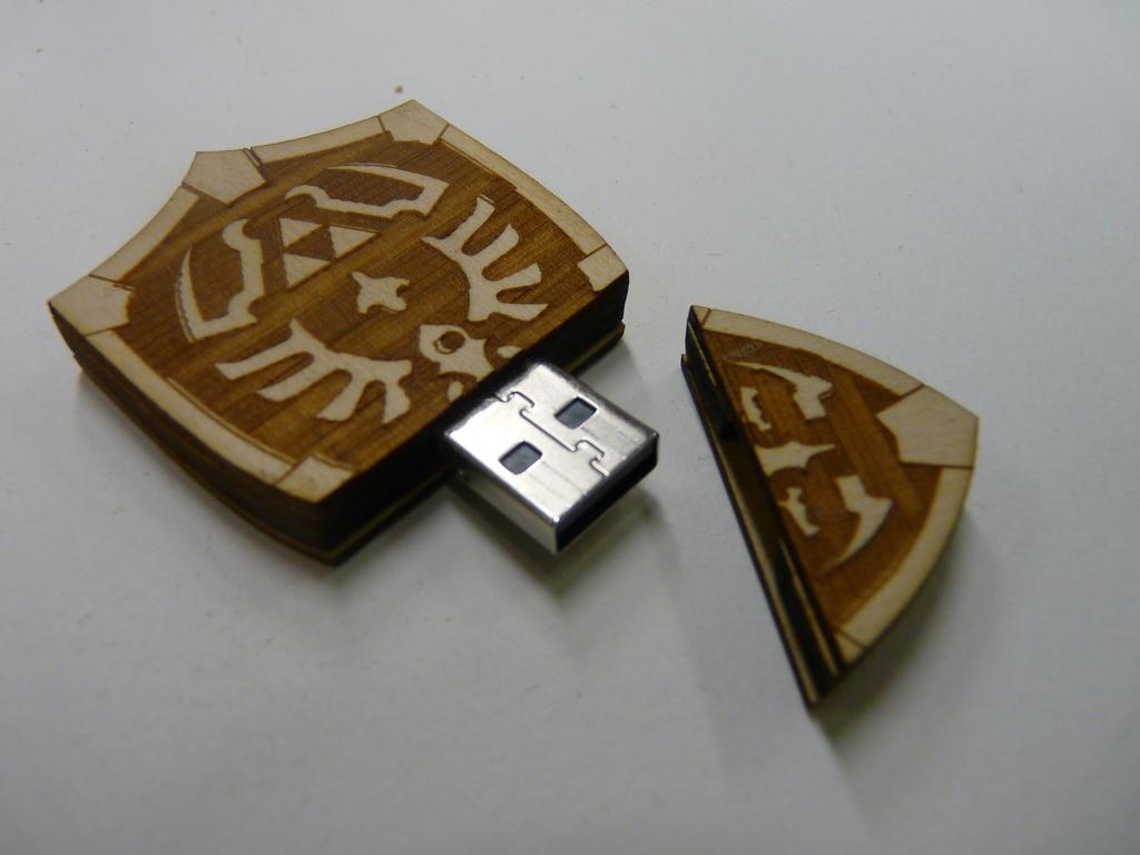 Hyrule Shield USB by zantaff
